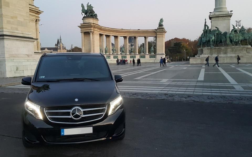 Mercedes-Benz V-Class Avantgarde chauffeur service Budapest VIP személyszállítás